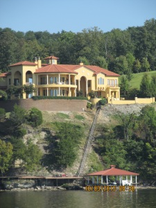 Oct 3 house with rail car to dock on Tn River
